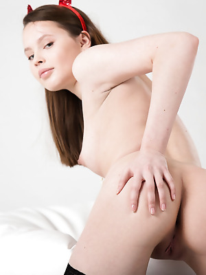 Showy Beauty  Rosi  Ass, Naughty, Erotic, Softcore, Solo